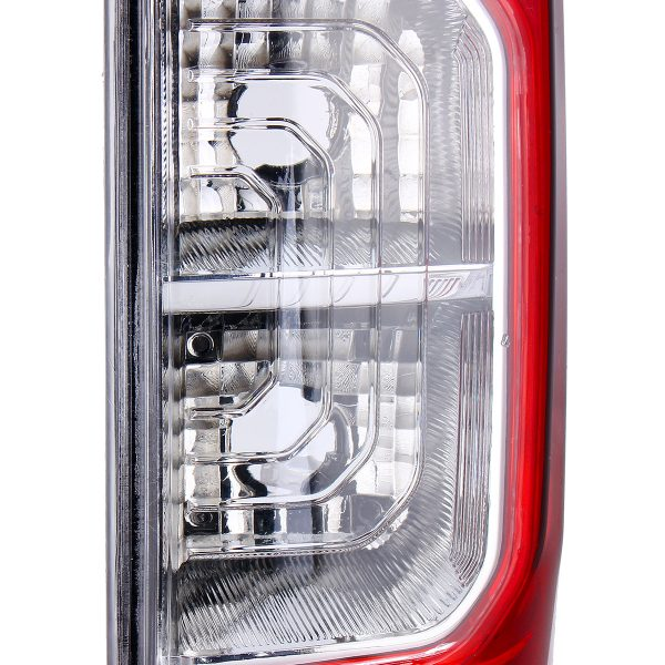 Car Rear Tail Light Red with NO Bulbs Wire Left/Right for Nissan Navara NP300 D23 2015-2019